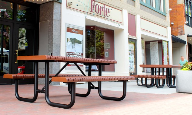 Ribbonport table downtown